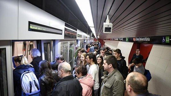 evitar que te roben la mochila en el metro